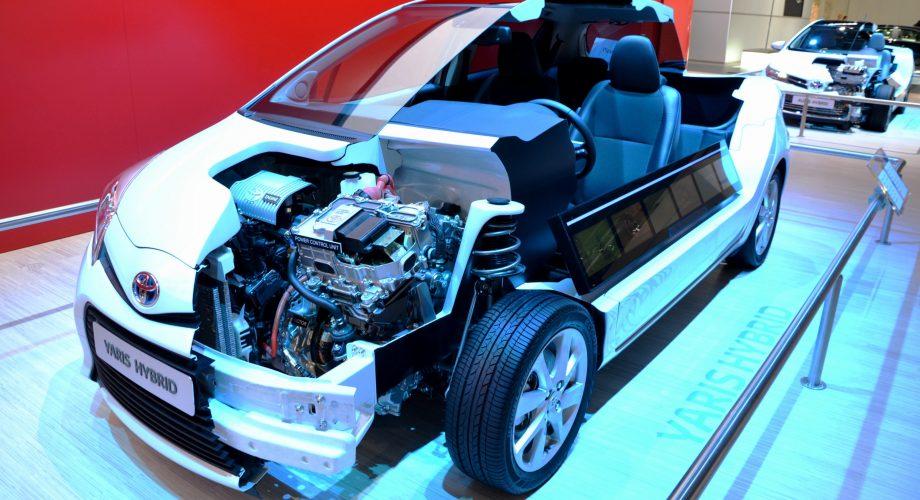 Toyota Yaris Hybride ouverte vue moteur
