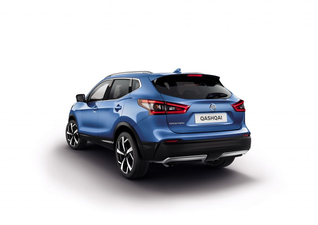 d couvrez le nouveau nissan qashqai le crossover intelligent. Black Bedroom Furniture Sets. Home Design Ideas