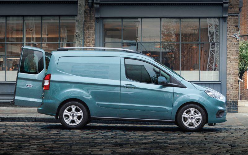 Nouveau Ford Transit Courier à partir de 99 € HT / mois
